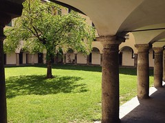 May 22, 2016 14:56:29 (seriouscatlady) Tags: trees sunlight tree green nature yard buildings spring afternoon natur innenhof wiese kirche sunny courtyard grn graz sonnig bume baum gebude hof kloster frhling iphone sonnenlicht