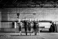 lets dance... (Heinz Wille) Tags: leica bw motion blur monochrome m8 21mm schwarzweis letsdance formationinmotion