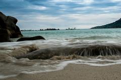 Santa Giulia (baptistedavid1) Tags: vacances vague poselongue bateau mer sable plage portovecchio santagiulia corse