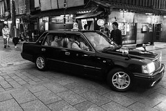 After a Evening of Entertainment (Jess Simen) Tags: streetphotography night photography japan kyoto gion geisha taxi blackandwhite blackwhite monochrome nightlife urbanlife nihon