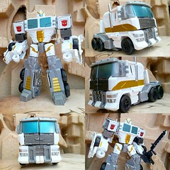 #prime #white #battle #core #optimusprime #transformers #combinerwars #autobots #cab #truck #instatoys #actionfigure #toysrus #toystagram #toyphotography #toypic #collage #plasticcrack #toys #photo #toycollector #toycollection #geek #Samsung #galaxy #phot (Geek75sg) Tags: instagramapp square squareformat iphoneography uploaded:by=instagram prime white battlecore optimusprime transformers combinerwars autobots cab truck