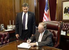 05-07-2015 Governor Bentley signs