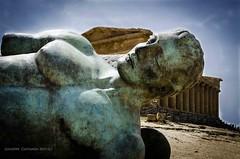 Icaro caduto... (Peppis) Tags: nikon sicily sicilia agrigento valledeitempli nationalgeographic igormitoraj icaro tempiodellaconcordia peppis anticando nikond7000 nikonclubit icarocaduto