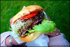 Truck burger. (Papa Razzi1) Tags: z1 springfestival foodtruck 5115 2015 149365 xperia truckburger