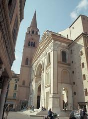 Basilica di Sant'Andrea (Misterdeiv) Tags: 120 epsonv550 kodakektar100 film mamiyarb67 mediumformat rb67 scans mantua italy mantova church