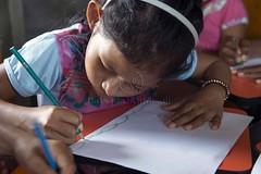 _TEF5538 (Edson Grandisoli. Natureza e mais...) Tags: peixe papel escola lpis menina desenho jovem desenhando amaznia educao ribeirinha cabocla educaoambiental regionorte