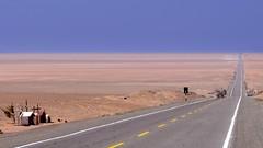 Highway Pan American (1S) in Sechura Desert / Rodovia Pan-Americana (1S) no deserto de Sechura (A. Duarte) Tags: road peru ruta highway desert carretera route estrada desierto deserto panamerican panamericana tacna rodovia sechura