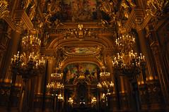 L Opera Garnier ( Pompas de Jabn ) Tags: paris france architecture lights luces arquitectura opera garnier loperagarnier