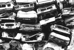 Casse Demolition - atana studio (Anthony SÉJOURNÉ) Tags: auto white black bus car metal studio noir pieces demolition voiture 2cv anthony casse blanc rouille atana empilement limaille séjourné