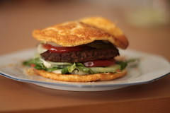 Low Carb Burger (sugob05) Tags: food lunch 50mm essen low meal 18 carb yongnuo