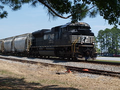 NS #1144 Southbound (Fred Watkins (kg4vln)) Tags: kg4vln olympus e420 railroad trains railfans norfolksouthern