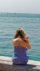 2016-03-27_14-33-12_ILCE-6000_0409_DxO (miguel.discart) Tags: ocean voyage travel girls sea woman mer holiday weather female iso100 vacances us women photographer sony femme dxo shooter keywest meteo fotografa candide candidportrait 2016 editedphoto unitedstate onedaytrip candideportrait 63mm shootershoot focallength63mm e18200mmf3563ossle ilce6000 focallengthin35mmformat63mm sonyilce6000 createdbydxo sonyilce6000e18200mmf3563ossle excursiondunejournee