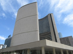 Toronto City Hall  (1965) (cohodas208c) Tags: toronto architecture architect 1965 civicplaza nathanphillipssquare viljorevell newcityhall