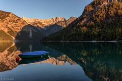 Plansee sunset (MC-80) Tags: sunset reflections boot austria boat tirol sterreich sonnenuntergang sunsetlight spiegelung tyrol plansee sonnenlicht