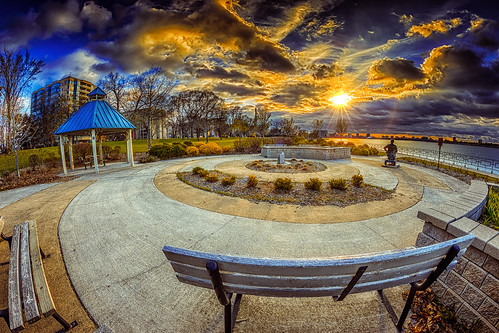 """Fisheye Circle Sunflare • <a style=""""font-size:0.8em;"""" href=""""http://www.flickr.com/photos/76866446@N07/17333090635/"""" target=""""_blank"""">View on Flickr</a>"""