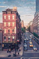 Chelsea (Martn Marilungo) Tags: street newyorkcity urban usa newyork calle chelsea unitedstates manhattan streetphotography highline taxicabs paisajeurbano