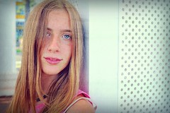 Enchante' (Steve Lundqvist) Tags: portrait people france girl nice eyes teen blonde teenager hairstyle francia ritratto nizza