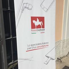 Rosso Garibaldi Press day (Elettroradio Informazioni) Tags: fashion retail smartphone cover cellulare telefono custodia negozi vendita accessori powerbank elettroradio rossogaribaldi