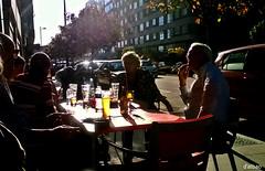 Al sol de Mayo (Franco DAlbao) Tags: people sun cold sol weather backlight bar contraluz gente terrace fro climate terraza meteorology tiempo clima meteorologa dalbao francodalbao microsoftlumia