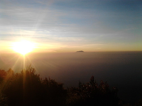 "Pengembaraan Sakuntala ank 26 Merbabu & Merapi 2014 • <a style=""font-size:0.8em;"" href=""http://www.flickr.com/photos/24767572@N00/27067819452/"" target=""_blank"">View on Flickr</a>"