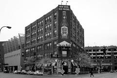 _DSC0591 Minneapolis, Minnesota USA (POV Heartland) Tags: street city urban bw minnesota zeiss pub sony minneapolis e twincities fe carlzeiss a7ii loxia buildingarchitecture sonyalpha a7m2 loxia235 loxiaf235mm loxiaf235