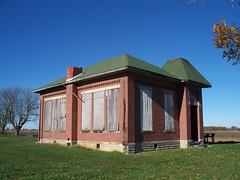 OH Sabina - Schoolhouse (scottamus) Tags: old ohio brick abandoned rural sabina schoolhouse clintoncounty oneroom