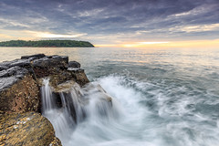 _MG_0540 (Nguyn nh Thnh) Tags: longexposure sunset sea mountain water sunrise rocks asia seascapes cloudy vietnam filter asean quangngai lyson singhray thachkydieutau