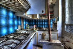 Cuisine digne d'un chateau ? ! ! (urban requiem) Tags: old urban france castle abandoned kitchen lost cuisine decay sigma bleu kche chateau exploration schloss derelict chteau hdr verdure verlassen kasteel urbex abandonn 816 verlaten 600d cuisinire colire tai bruleurs tayage chateaudelcolire chateauverdure