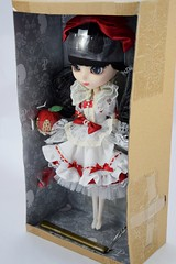 Pullip Snow White 12'' Doll - PullipStyle Purchase - Deboxing - Inner Box - Full Right Front View (drj1828) Tags: doll princess groove pullip snowwhite purchase 12inch snowwhiteandthesevendwarfs posable deboxing