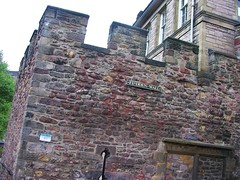 Flodden Wall Crenelations (jere7my) Tags: greatbritain vacation window scotland edinburgh unitedkingdom citywall 2014 arrowslit floddenwall crenelations embrah