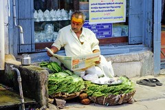 Wait for customers, Trichy (Fabionik) Tags: india tamilnadu trichy 2014
