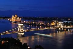 Kilts a Vrbl (MPeti) Tags: night nikon hungary tripod budapest bluehour danube lnchd chainbridge d60 2016