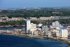 Havana (-AX-) Tags: mer havana cuba malecn centrohabana btimentimmeuble