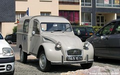 Citron 2CV AK350 1969 (XBXG) Tags: auto old france classic 1969 car vintage french automobile citron voiture 2cv normandie frankrijk van normandy eend besteleend bestelbus geit ancienne wagen normandi 2pk 2cv6 citron2cv franaise utilitaire deuche deudeuche bestelwagen camionnette bestel ak350 fourgonnette 1969ye14