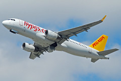 Pegasus Airbus A320 TC-DCC (gooneybird29) Tags: flugzeug flughafen aircraft airport airplane airline muc pegasus airbus a320 tcdcc