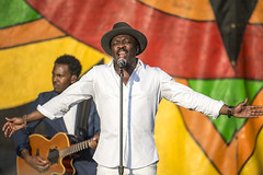 Anthony Hamilton at Jazz Fest 2015, Day 5, May 1