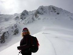 """Edita on a snowy spur high on Monte Sirente • <a style=""""font-size:0.8em;"""" href=""""http://www.flickr.com/photos/41849531@N04/17356321106/"""" target=""""_blank"""">View on Flickr</a>"""
