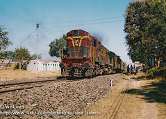 001208_12 (The Alco Safaris) Tags: indian passenger railways pune dlw alco kolhapur wdm2 dl560 rsd29