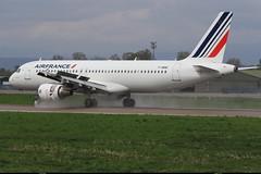 """AIRBUS A320 214 """"AIR FRANCE"""" F-HBNE 4664 Entzheim avril 2015 (paulschaller67) Tags: airbus avril airfrance a320 214 2015 entzheim 4664 fhbne"""
