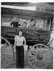 Idaho Springs (rfulton) Tags: blackandwhite vintage wagons vactions vintagekids