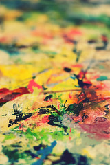 Urban Art #2 (Maxi Winter) Tags: abstract art closeup colorful paint bokeh couleurs kunst peinture urbanart farbe bunt nahaufnahme acrylicpaint abstrakt urbain abstrait splashofcolour splatters spritzer arturbain screenprintingstudio acrylfarbe urbanekunst siebdruckwerkstatt peintureacrylique farbkleckse atelierdesrigraphie tachedecouleur