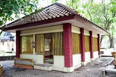 Palembang (15) (M Arief Wibowo) Tags: museum river temple bukit palembang musi candi tinggi astano karanganyar kedaton sriwijaya gedong srivijaya siguntang gumpung