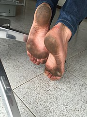 at work (danragh) Tags: feet piediscalzi scalzialavoro barefootatwork