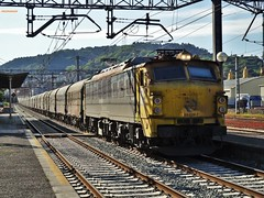 251 (firedmanager) Tags: train tren locomotive mitsubishi locomotora ferrocarril freighttrain renfe trena 251 railtransport renfeoperadora renfemercancías
