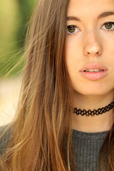 Freeze ( Axel Naud) Tags: canon canoneos600d canonef100mmf28lmacroisusm girl picture nature face necklace eyes hair