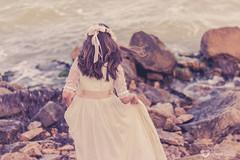 Sofa (nereabm) Tags: vintage mar post retrato playa nia corona rocas oceano comunion