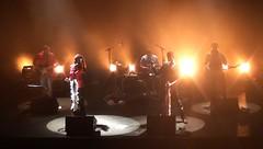 Dans la lumire - Chartres (benjaminlamalice) Tags: paris sexy smile corinne rock fun la jump concert pacific starter live duo pop benjamin trio cry chartres fff malice chanteuse musiques dionysos rihanna letage actuelles antillaise lves zebda liveinparis yvelive
