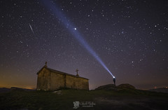 Ermita de San Bartolo (Chencho Mendoza) Tags: galicia estrellas nocturnas ermita acorua sanbartolo vimianzo chenchomendoza
