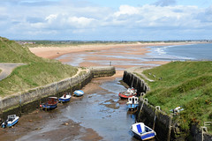 Seaton Sluice low tide 20th May (DavidWF2009) Tags: boats harbour northumberland lowtide seatonsluice