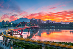 (DSC_9392) (nans0410(busy)) Tags: sky bali cloud reflection sunrise wow outdoors dawn scenery cityscape taiwan      danshuiriver  guandubridge  newtaipei
